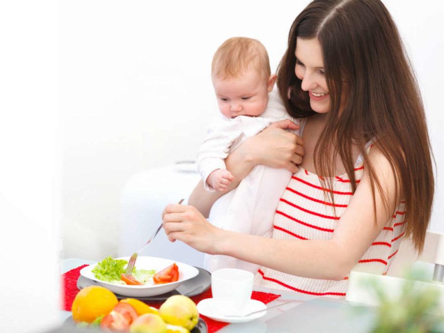postpartum diet mothers 906x680 توصیه های بسیار مهم تغذیه ای به مادران شیرده